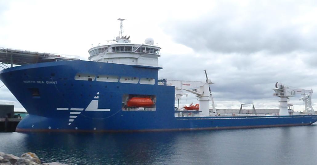 DWLS- Bauer offshore crane lift