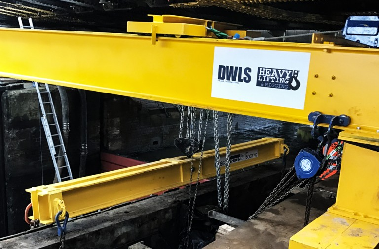 dwls bespoke crane lift lock gates project