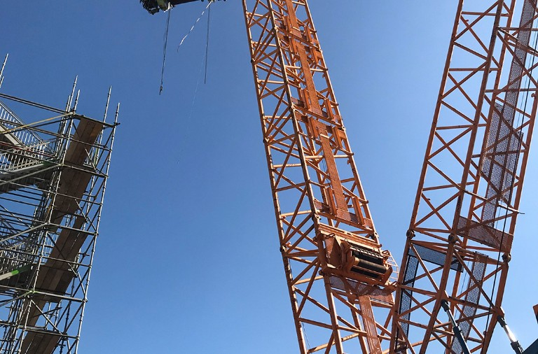 dwls-heavy-crane-lifting-drilltower-2